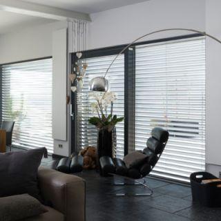 wohnraum-modern-stuhl-infrarotheizung-redwell-potsdam-brandenburg